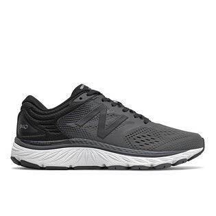 Women's 940 V4 Running Shoe
